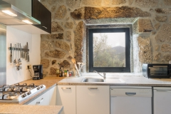 Holiday-Apartment-Portugal-Lindo-kitchen